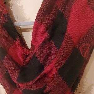 Accessories - 🖤❤ Black & Red Flannel Infinity Scarf ❤🖤